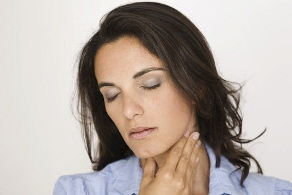 Suffering From White Tongue Sore Throat? Causes and Remedies For Quick Relief