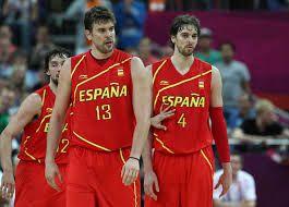 Es el equipo de baloncesto de Espana. Baloncesto es un deporte popular y para la liga professional, hay una sistema de niveles uno a cinco.Tambien, en nivel cuatro, hay ligas A, B, C, D, y E, asi que hay muchas oportunidades de jugar en ligas espanoles.