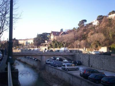 Pont sur le calavon a apt guide du tourisme du vaucluse paca