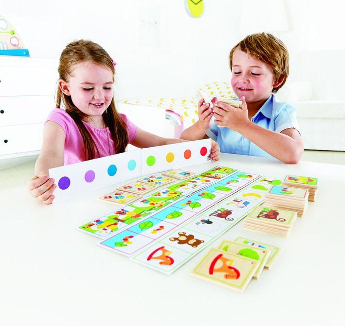 Attenti agli indizi è un gioco educativo che stimola la comunicazione, le capacità di esprimere un concetto astratto e descrittivo, la collaborazione e l'alternanza del turno durante il gioco....