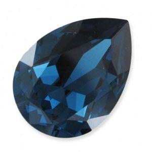 Craquez pour cette belle couleur de cabochon Swarovski 4320 en 14x10 mm : Montana. Ce cabochon en forme de poire en cristal taillé non serti ira parfaitement avec vos tenues de soirées. Il ne vous reste plus à vous créer le bijou parfait. A partir d'1,55€ >>> http://www.perlesandco.com/Cabochon_Swarovski_4320_14x10_mm_Montana_x1-p-78827.html