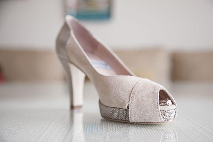 #Wedding #shoes #peeptoes #zapatos #plataforma #platformpumps #handcrafted #madrid #suede #nude #glitter #fantasia #accessories #moda #novia #peeptoe #boda #fiesta #baile #onlineshopping #tiendaonline #eshop JorgeLarranaga.com: