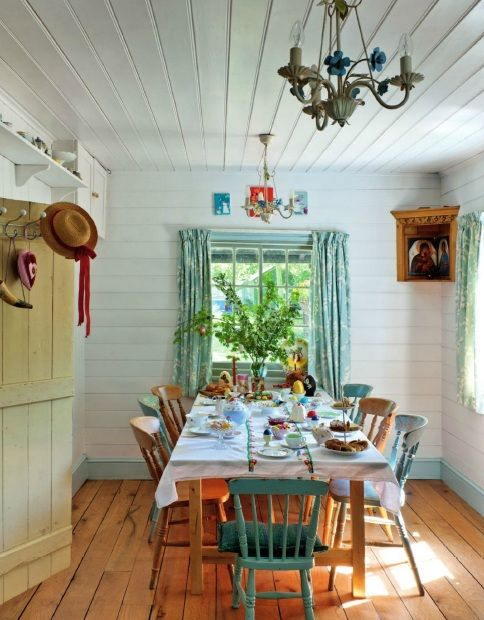 easter table decorations - Country Cottage Dining Room Ideas