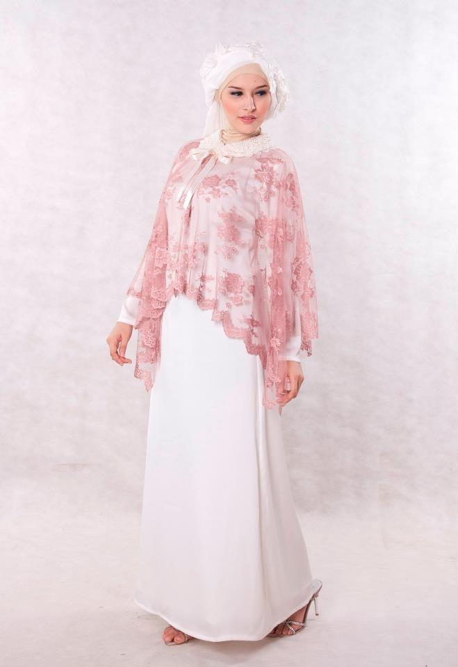 Baju Pesta Muslim Broken White Sweet & Romantic Dress