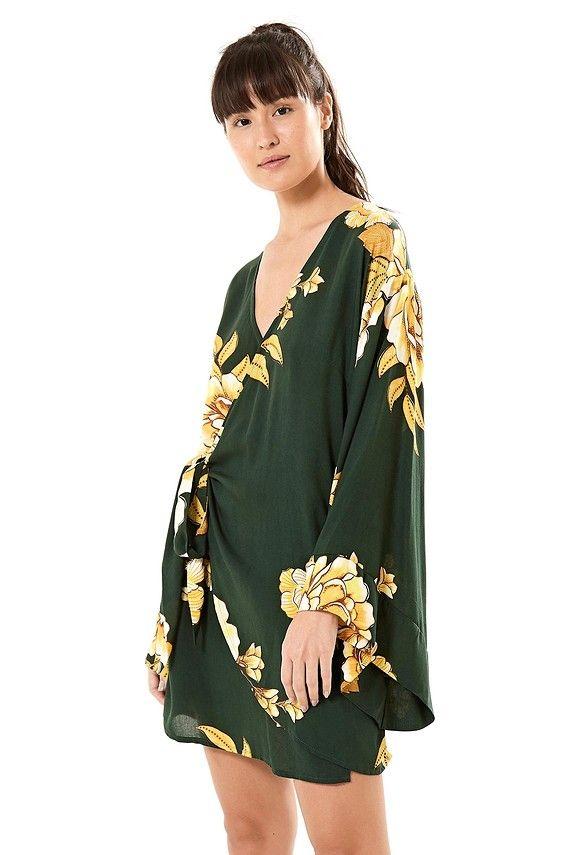 a29f92521 vestido transpasse chita de ouro | Farm Rio! | Bell sleeves, Bell ...