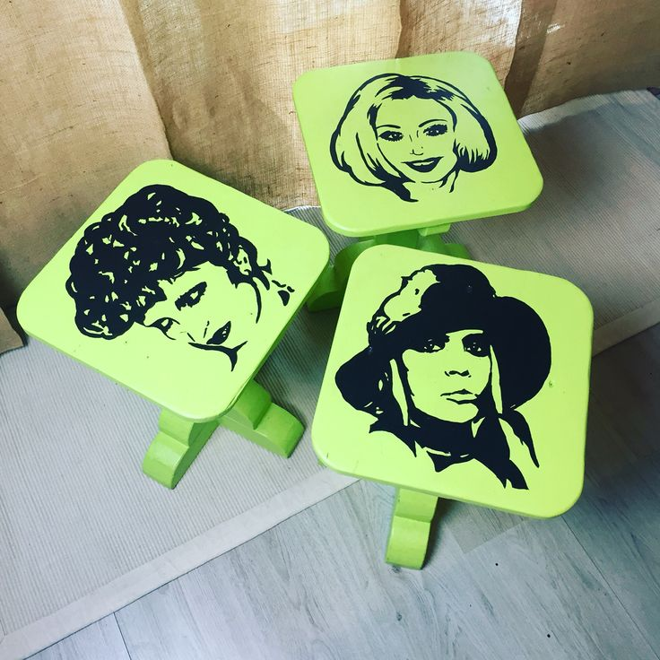 #cinesentá, gli sgabelli in legno dipinti a mano con le icone: Mina, Raffaella Carrà e Loredana Berté