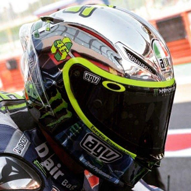 Per il GP di italia un casco speciale trasformato in un pannello solare che da energia per la gara #VR46