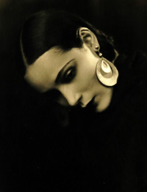 "1920s  .... stunning....  ""Take care of your inner, spiritual beauty. That will reflect in your face"" Dolores Del Rio"