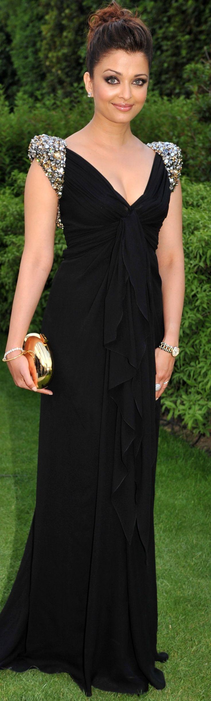 #Red Carpet @ #Cannes - Aishwarya Rai-Bachhan
