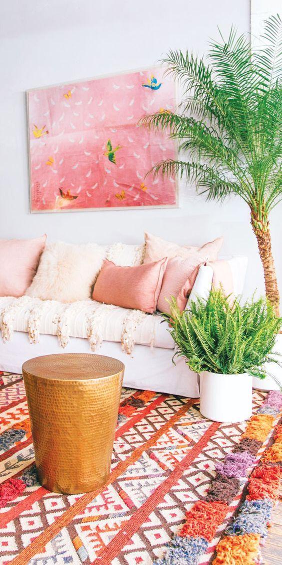 Lekker veel inspiratie voor kleurrijke interieurs! Combineer de vrolijkste kleuren met elkaar en zorg voor een vrolijk interieur. Inspiratie voor kleur!