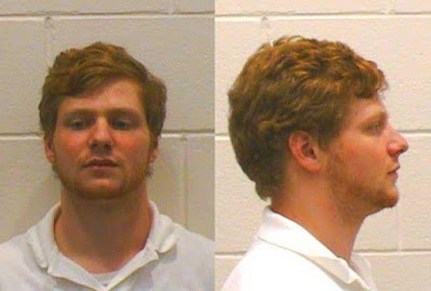 Americano é preso ao 'contaminar' bar com spray de pum Caso ocorreu em Athens, no estado da Geórgia. Jovem deixou interior do bar com cheiro insuportável.