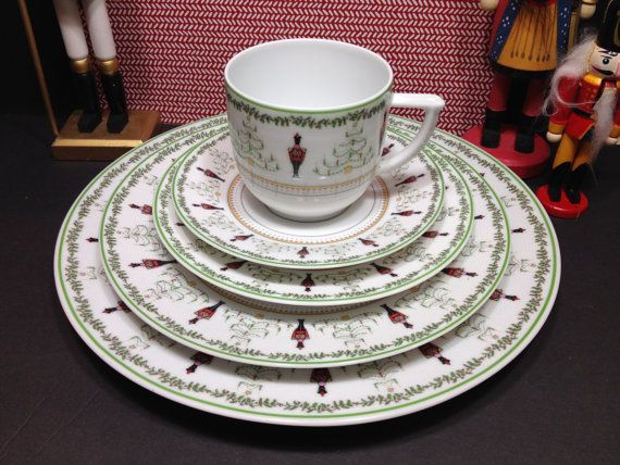 Vintage nutcracker china/Bernardaud/ Grenadiers pattern Happy Holidays/nutcracker decor/ Christmas china/ Christmas five piece place setting