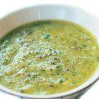 Courgettesoep (ook zonder de melk erg lekker!). Heb ter variatie kleine spekreepjes toegevoegd :-)