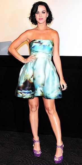 Awesome Red Carpet Fashion Katy Perry in a beautiful print... Check more at http://24myshop.tk/my-desires/red-carpet-fashion-katy-perry-in-a-beautiful-print/