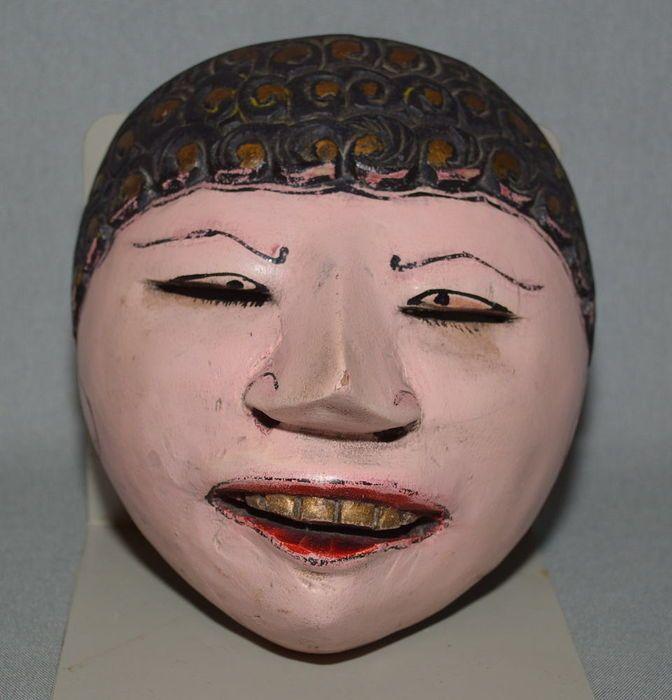 Topèng, masque de danse en bois Rumyang. Cirebon …