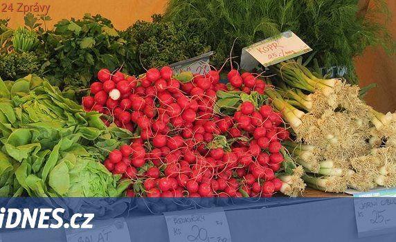 Čerstvá zelenina, sýry a k tomu kulturní zážitek. Farmářské trhy jsou zpět