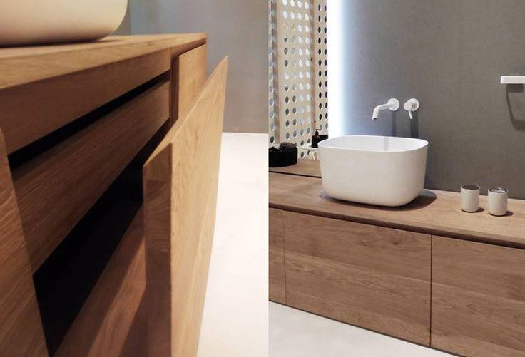 Mobiliario macizo de madera inbani mobiliario de dise o for Mobiliario banos diseno