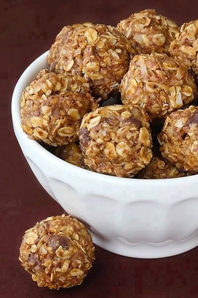 NO BAKE ENERGY ROLLS : 1 cup (dry) oatmeal 1/2 cup chocolate chips 1/2 cup peanut butter 1/2 cup ground flaxseed 1/3 cup honey 1 tsp. vanilla  Mix ingredients together in a large bowl. Roll into bite size balls. Refrigerate to set. Enjoy!!