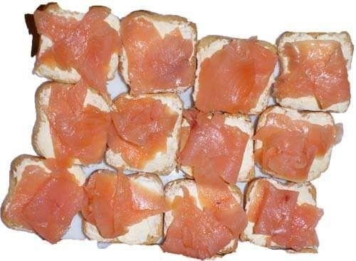 Canapes De Salmon Ahumado