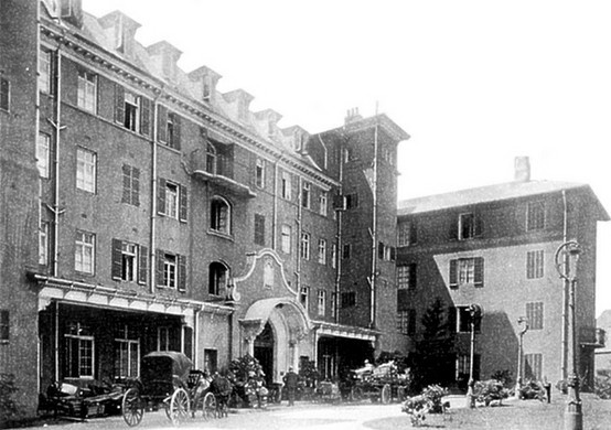 Entrance of the Mount Nelson Hotel Cape Town 1899