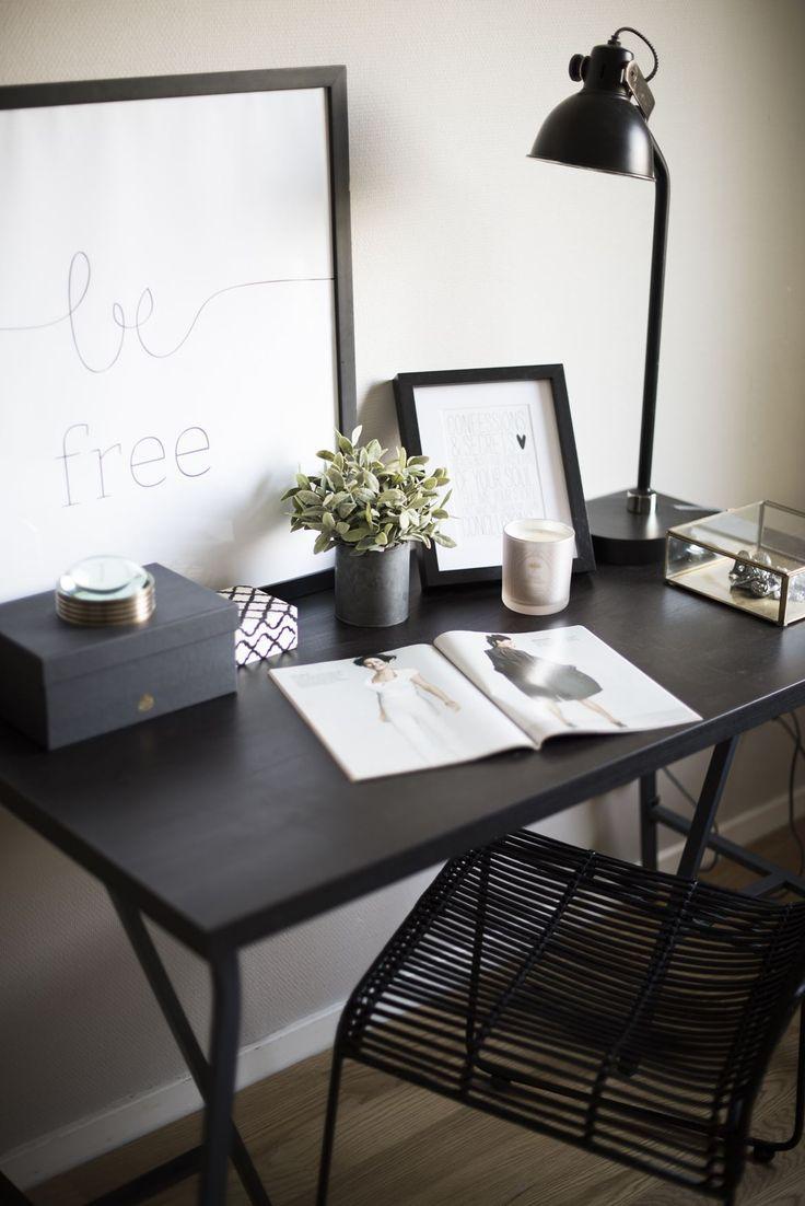#homestyling #styling #desk #skrivbord #homeoffice Stort parhus i Klingsta, Danderyd | Move2