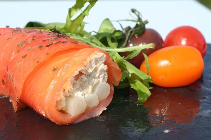 Buisson estival d'asperges blanches et saumon fumé. #recette #saumon #summer