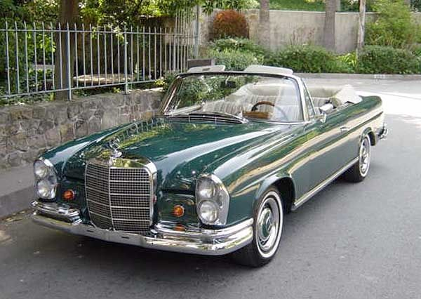 1967 Mercedes-Benz #250SE Cabriolet green / tan top. Via: http://www.carpictures.com/vehicle/04AQE482178835/Mercedes-Benz-250-SE-Cabriolet-green-tan-top-1967