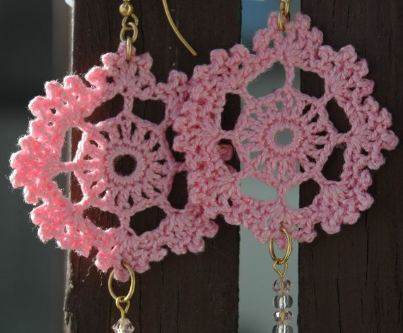 Crochet earring  Crochet jewelry  Pink crochet by lindapaula, €11.00