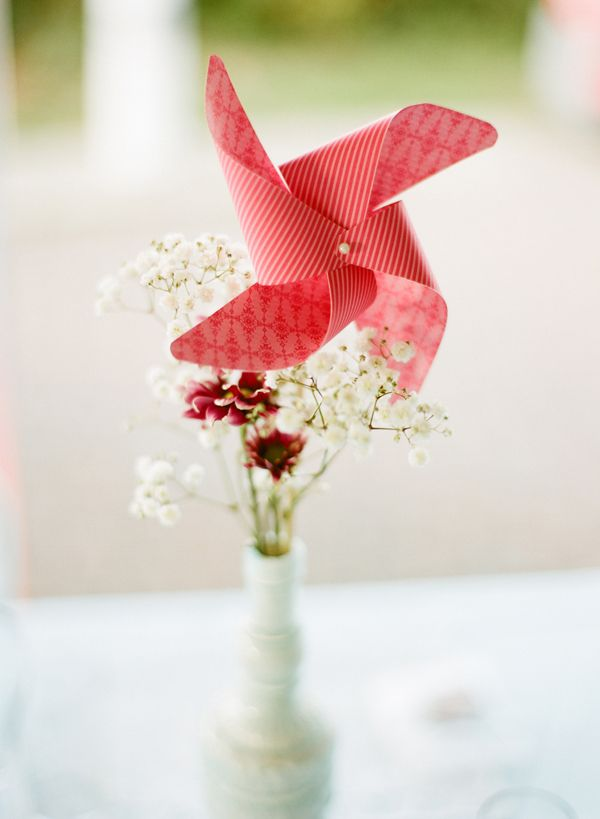 windmill centerpiece - Real Wedding Budget Breakdown from Jessica & James captured by Jillian Mitchell - via snippetandink