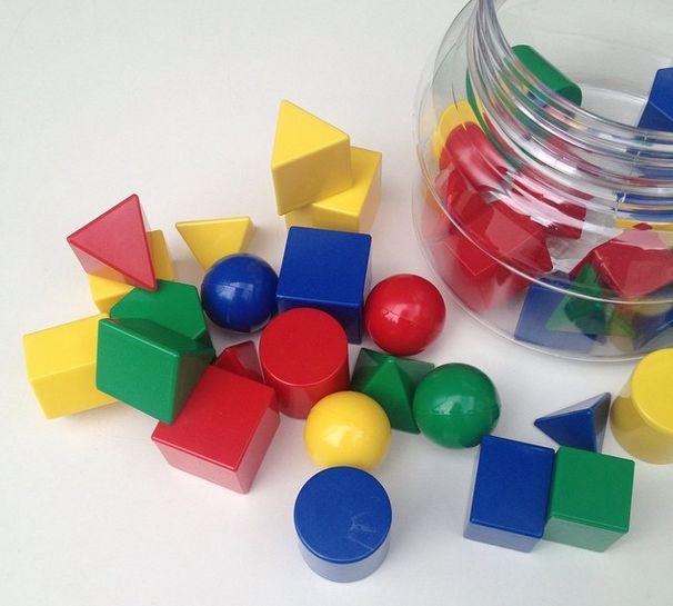 Een hele pot vol geo vormen -  http://credu.nl/product/geo-vormen/