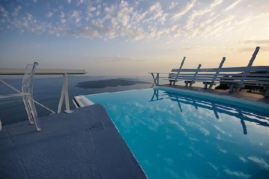 CHROMATA Hotel Santorini | pool
