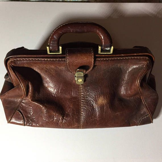 Sturdy Leather Gladstone Bag by Bridge Used but in good condition
