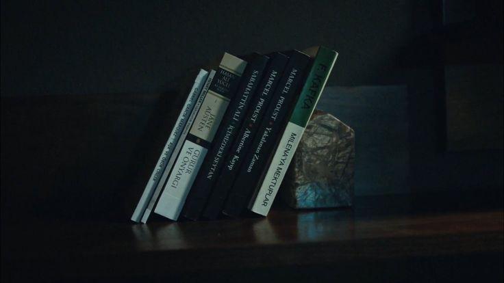 Her kitap bir bölüm