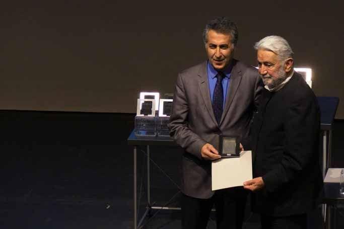 Mimar Sinan Büyük Ödülü, Cengiz Bektaş'a verildi   http://www.nouvart.net/mimar-sinan-buyuk-odulu-cengiz-bektasa-verildi/