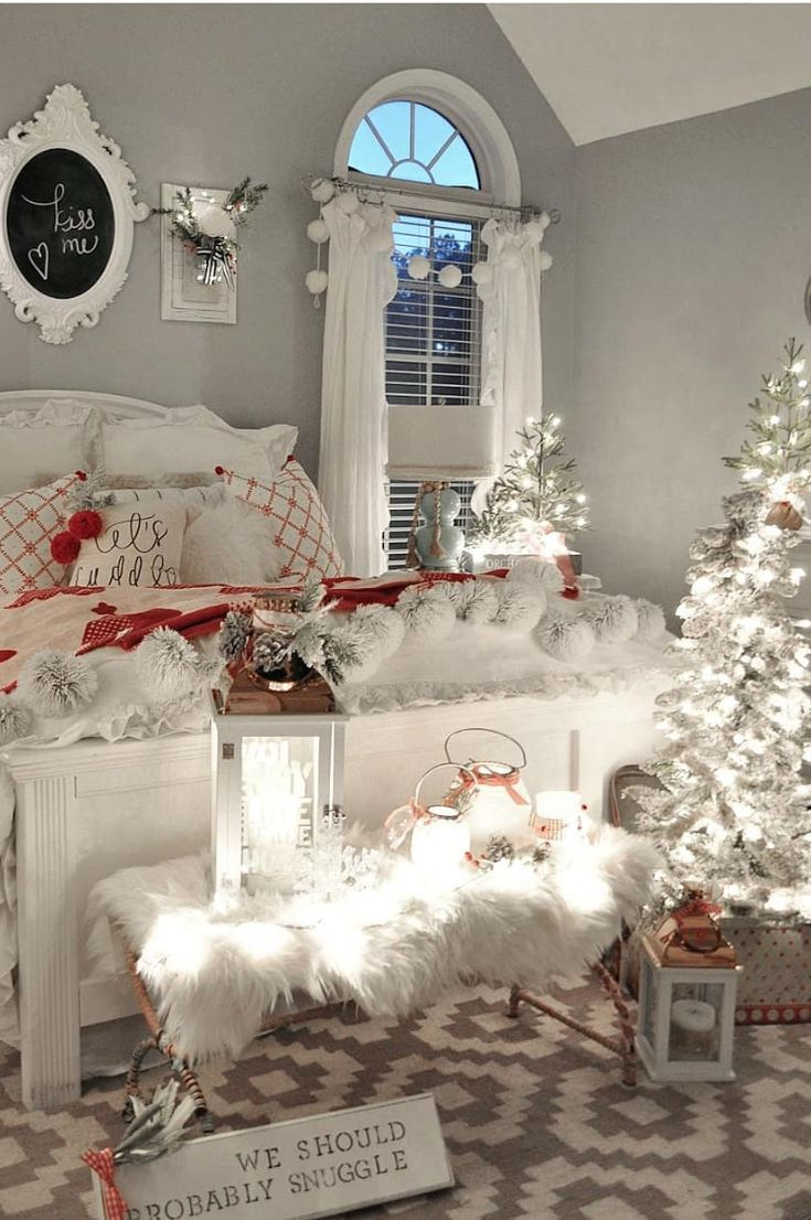 30 Free Cozy Christmas Bedroom Decoration Ideas New 2020 Page 4 Of 30 My Blog Christmas Decorations Bedroom Christmas Bedroom Decor Diy Christmas Bedroom