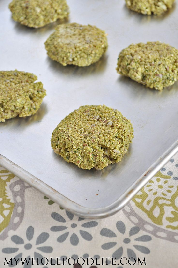 Whip these Quinoa Spinach Patties up in no time. A healthy meal idea ready in under 25 minutes. Serve on a bun or with a side of veggies! Vegan and GF.
