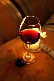 Diventa un buon vino quello che, nuovo, sembrava acerbo e aspro; mentre il vino gradevole già nella botte non regge all'invecchiamento.   Lucio Anneo Seneca (Lettere a Lucilio) #joele #vino #wine #frasi #bottiglie www.jo-le.com