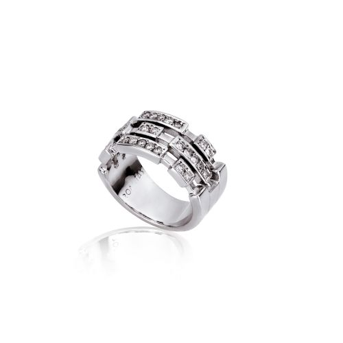 Cubic ring in 18KT white gold with diamonds.
