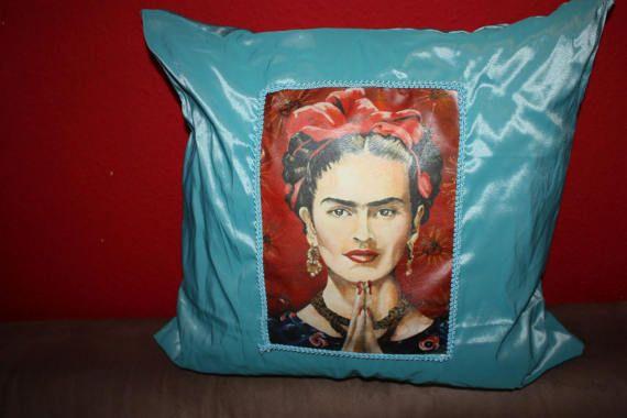 8119 best images about frida kahlo love on pinterest frida kahlo costume blue houses and. Black Bedroom Furniture Sets. Home Design Ideas