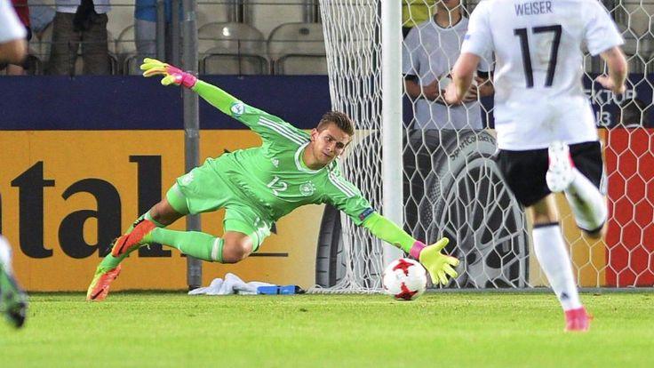Für Pollersbeck gab's die BILD-Note 1 http://sport.bild.de/fussball/u21-em/ma8348254/direkter-vergleich/direkter-vergleich/ http://www.bild.de/sport/fussball/uefa-u21-em-2017/dfb-bubis-vor-halbfinaleinzug-52278266.bild.html