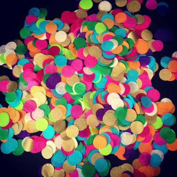 Confetti ... Large bag // tissue paper confetti  {Pom Love via Etsy}