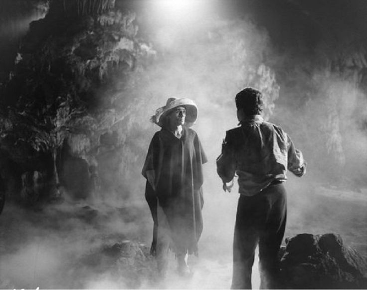 Estas son las 10 películas mexicanas que son parte de la historia del cine mexicano, por su gran producción y dirección que definitivamente tienes que ver. http://www.linio.com.mx/libros-y-musica/cine/