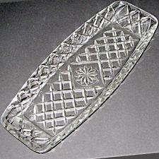LOVELY *VINTAGE* DEPRESSION CUT GLASS SANDWICH TRAY/ DIAMOND PATTERN / Near MINT $12 aus