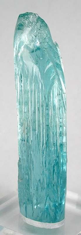 Aquamarine (floater) - $23,500 Medina Mine, Minas Gerais, Brazil Cabinet, 14 x 3.7 x 2.4 cm (5.5 inches tall)