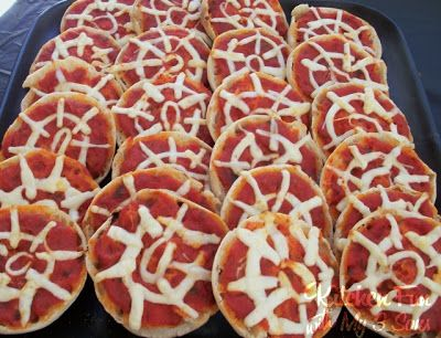 Spider Man Party with lots of fun Spiderman Fun Food Ideas! Mini pizzas - english muffins, sauce, string cheese