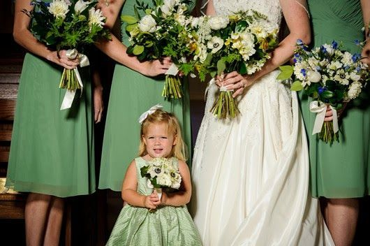 green wedding ideas bridesmaids bouquets and flower girl