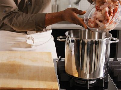 2012- report found that poultry was a top cause of foodborne illness -- here's how to handle it properly.