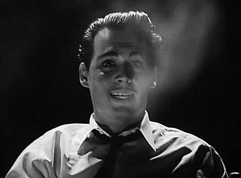 ED WOOD – Without a doubt the most subtle, understated Tim Burton film is also one of his best.  This is a film that relies on a remarkable combination of fine performances and a director's complete understanding of the title character.