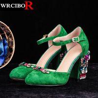 Más el Tamaño 34-43 Mujeres de la manera zapatos de las mujeres bombea zapatos de tacón alto sandalias de diamantes de imitación verde 2017 nueva mujer de la llegada del verano zapatos de tacones