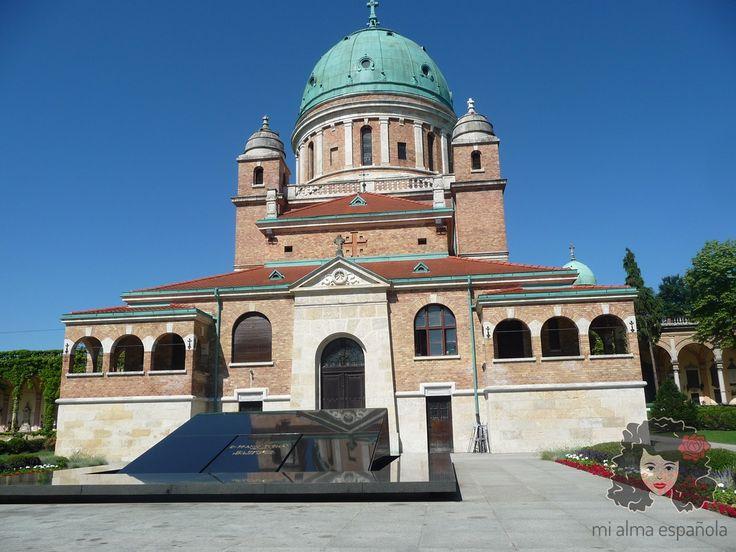 Mirogoj Cemetery, Zagreb, Croatia, June 2016.